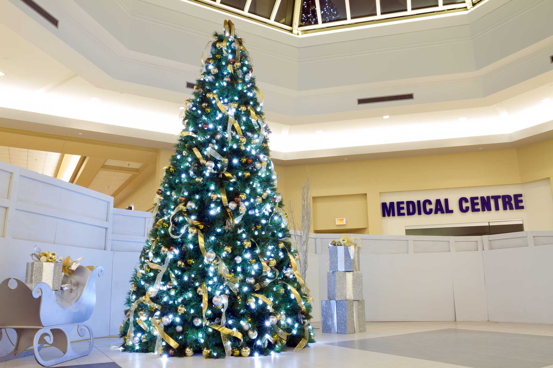 How to Decorate Your Hospital or Practice for the Holidays