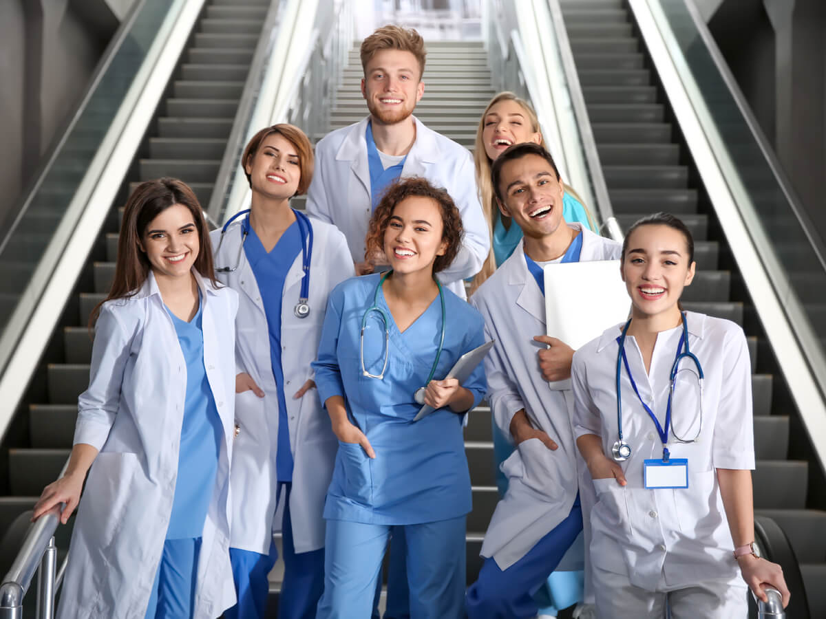 Top 10 Medical School Scholarships to Apply to in 2020