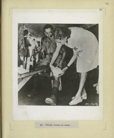 nurse uniforms in 1944 during wwi