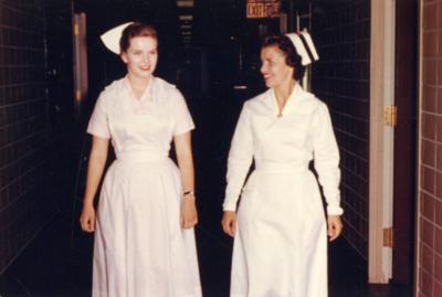 nurse uniforms in 1962